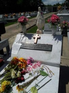 charlene grave